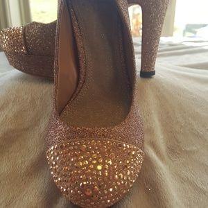 Gianni Bini  pink evening platform heel Size 6.5 M